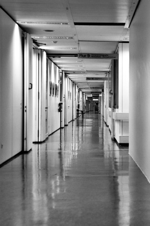hospital-921034_640