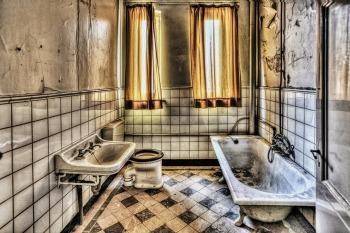 bath-426383_1920